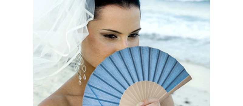 Con la ripresa dei matrimoni riprende la vendita dei ventagli per cerimonia