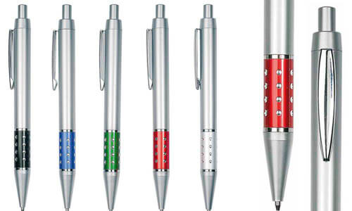 Penna a scatto in plastica con impugnatura decorata promozionale