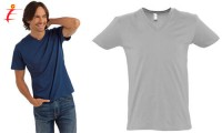 T-shirt con collo a V