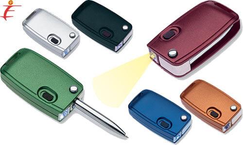Portachiavi personalizzato con luce e penna